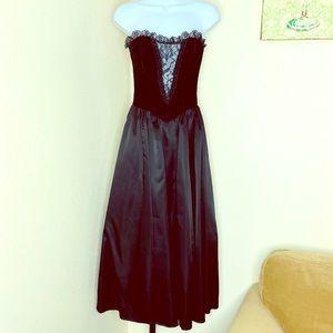 Gunne Sax black vintage velvet satin midi formal 2
